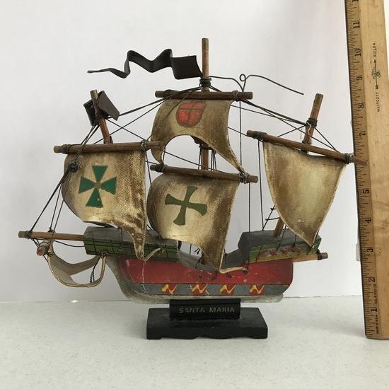 """""""Santa Maria"""" Wooden Ship Replica"""