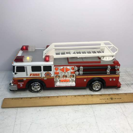 Lights & Sounds Fire Engine - Works