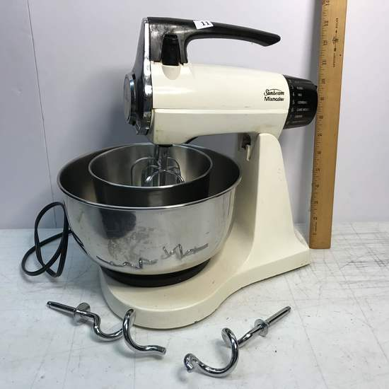 Vintage Sunbeam Mixmaster Mixer with Two Stainless Mixing Bowls & Two Beaters - Works