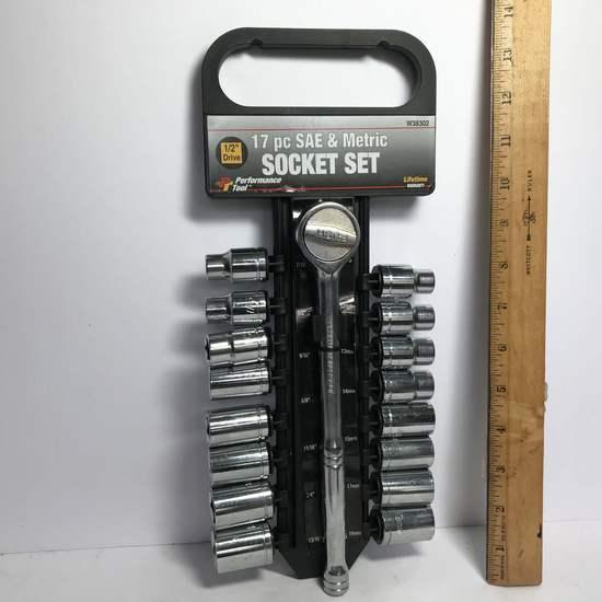17 pc SAE & Metric Socket Set