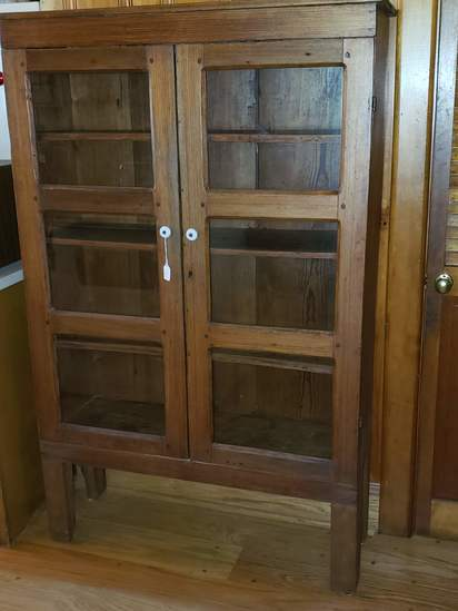 Oak pie safe with Porcelain Pulls on Glass Panel Doors