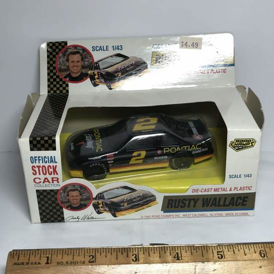 1992 Rusty Wallace Die-Cast & Plastic Official Stock Car SCALE 1:43 in Box