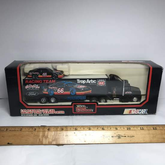 Racing Champions 1:64 Scale Die-Cast Cab Racing Team Transporter Yarborough NASCAR in Box