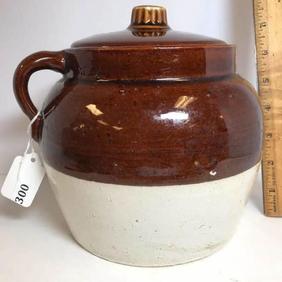 Vintage 2 Tone Bean Pot with Lid