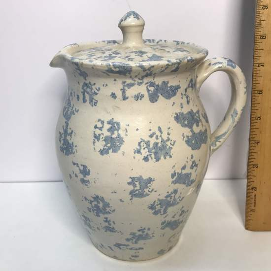 """Evan's Pottery Arden NC Blue Sponge Pitcher with Lid Signed on Bottom 9"""" tall"""