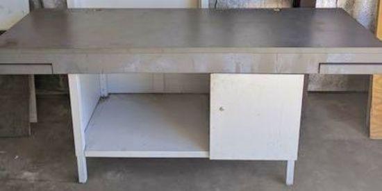 Large Metal Work Bench