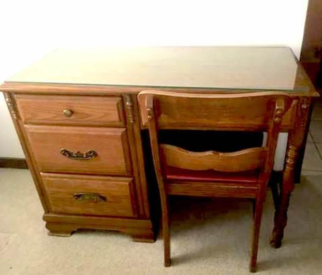 Sumter Cabinet Company Student Desk