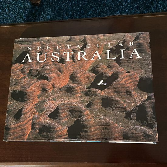 """Spectacular Australia"" 2000 Coffee Table Book"