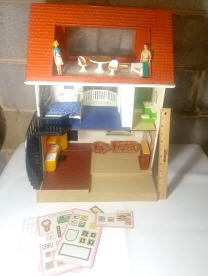 1978 Fisher Price Doll House