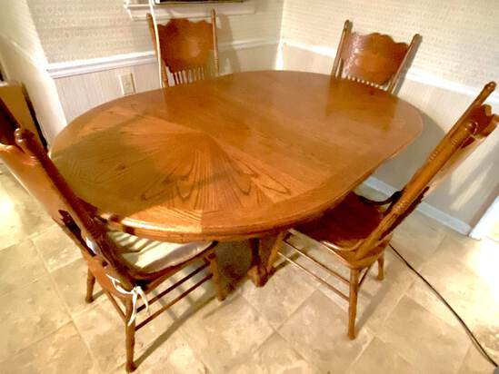Large Oak Dining Table with Ball & Claw Feet with 4 Carved Back Chairs
