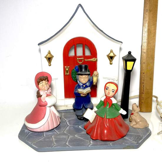 Adorable Ceramic Christmas Carolers Lamp
