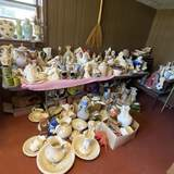 HUGE Lot of Misc Hand Painted Ceramic Items & More