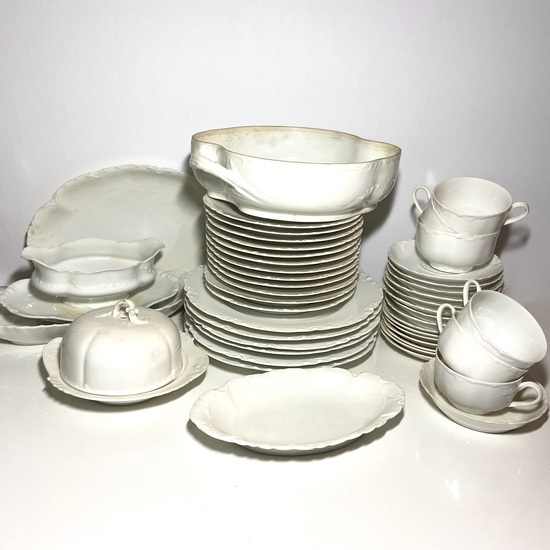 Lot of Haviland France Dinnerware
