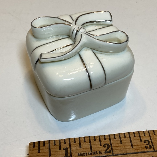 Small Porcelain Gift Box Trinket with Silver Accent