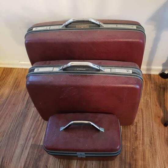 Vintage Burgundy Hard Shell 3 Piece Samsonite Luggage Set