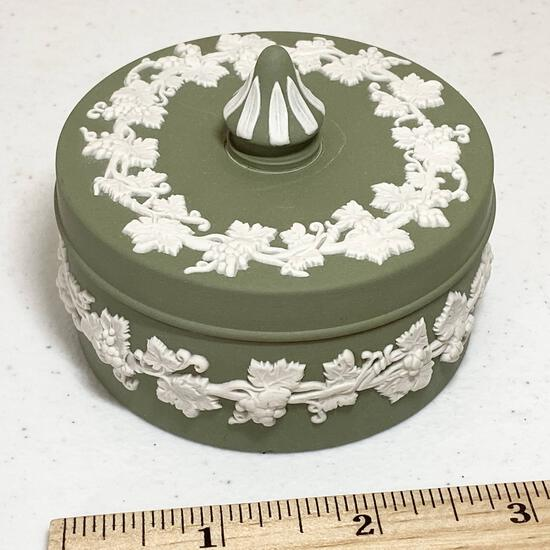 Green Wedgwood Lidded Trinket Dish Made in England