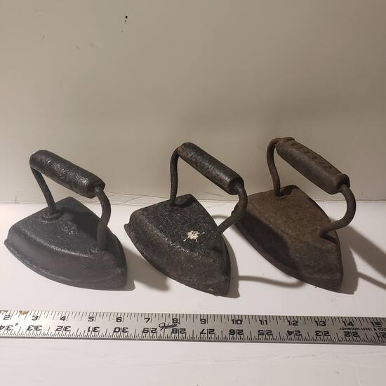 Lot of 3 Antique Cast Iron Sad Irons