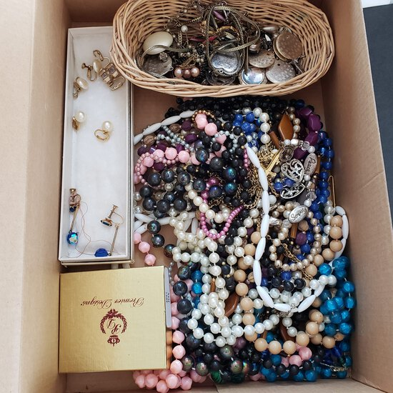 Box Lot of Vintage Mixed Jewelry Items