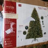 Gorgeous 9 Ft Pre Lit McKenney Fir Tree, 1450 Clear Bulbs, 4487 Tips