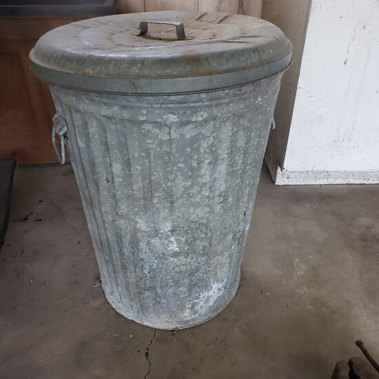 Vintage Galvanized Metal 30 Gallon Trash Can