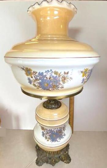 Pretty Vintage Floral Glass Lamp with Brass Accent