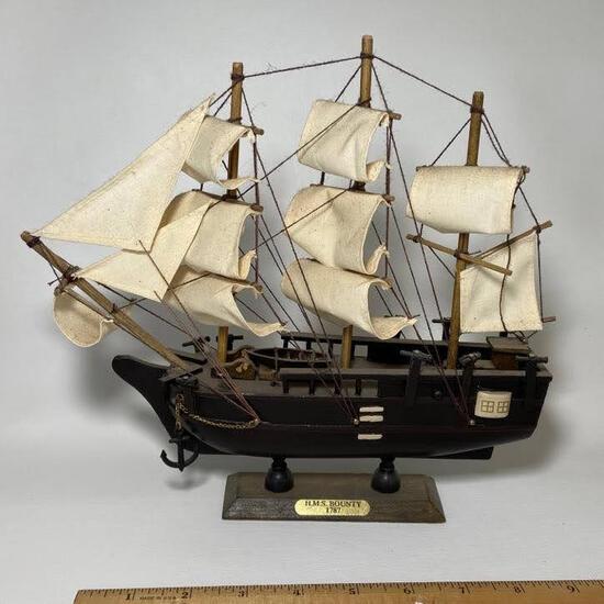 "Wooden Ship Figurine ""H.M.S. Bounty 1787"""