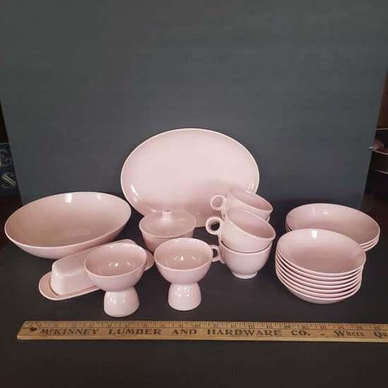 20 Pieces Vintage Pastel Pink Dinnerware