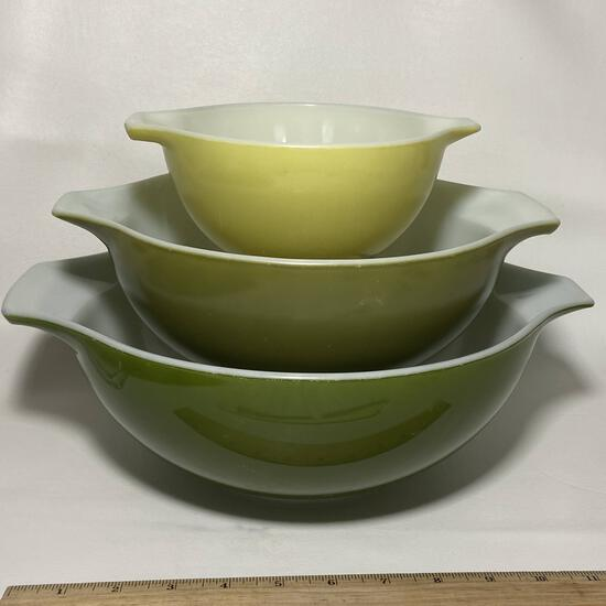 Lot of 3 Vintage Pyrex Cinderella Nesting Bowls