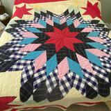 Impressive Vintage Hand Made Star Quilt