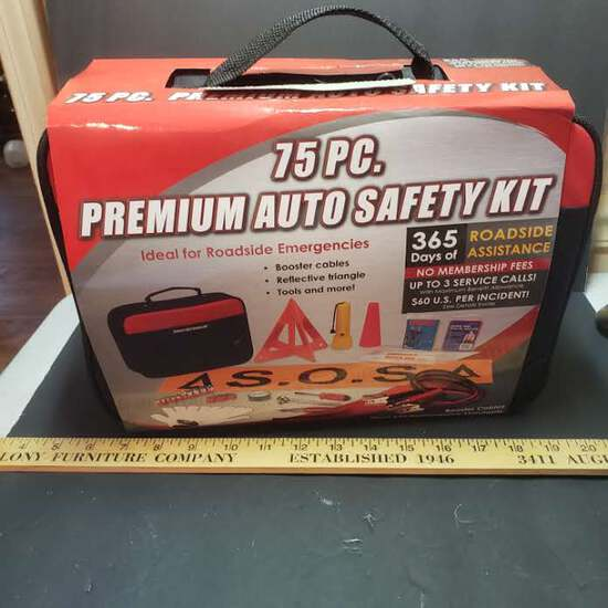 New 75 Piece Premium Auto Safety Kit, , Great For Roadside Emergencies