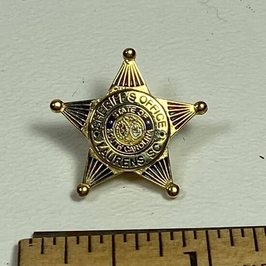 State of South Carolina Sheriff's Office Laurens SC Pin