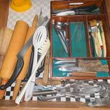 Drawer Lot of Misc Kitchen Gadgets & Utensils