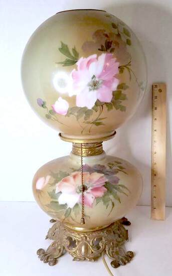 Beautiful Vintage Gone with the Wind Style Lamp with Floral Design
