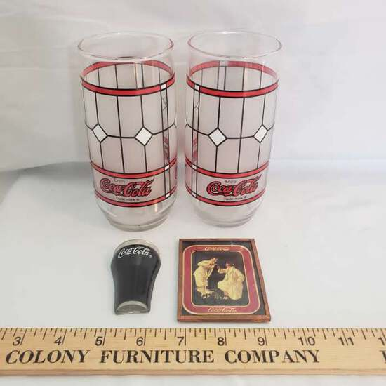 Lot of 2 Vintage Coca Cola Glasses and 2 Magnets