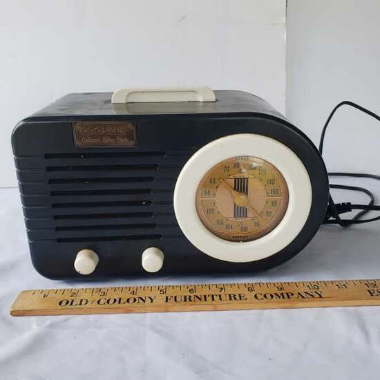 Vintage Crosley AM/FM/Cassette Collectors Edition Radio