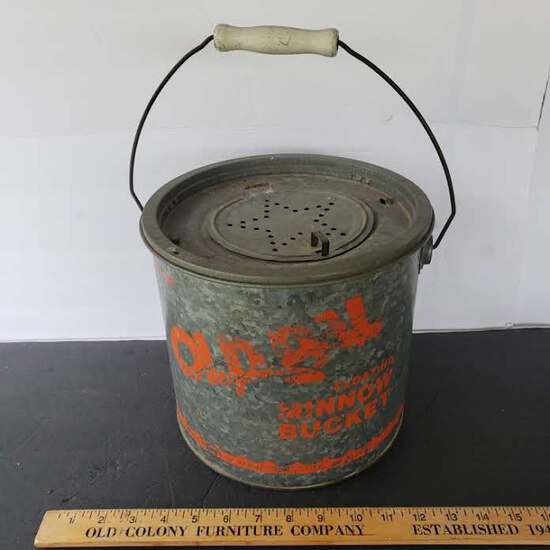 Vintage Old Pal Galvanized Metal Floating Minnow Bucket