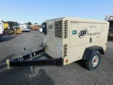 2010 INGERSOLL RAND XP 375 TOWABLE AIR COMPRESSOR