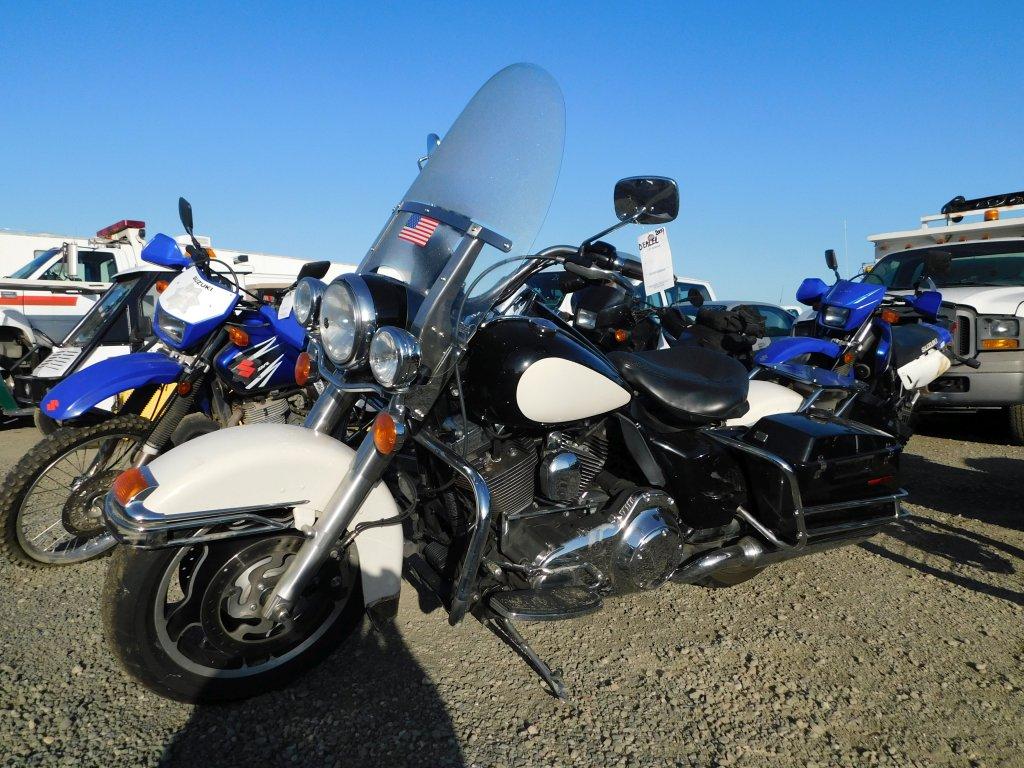 2009 HARLEY DAVIDSON ROAD KING MOTORCYCLE