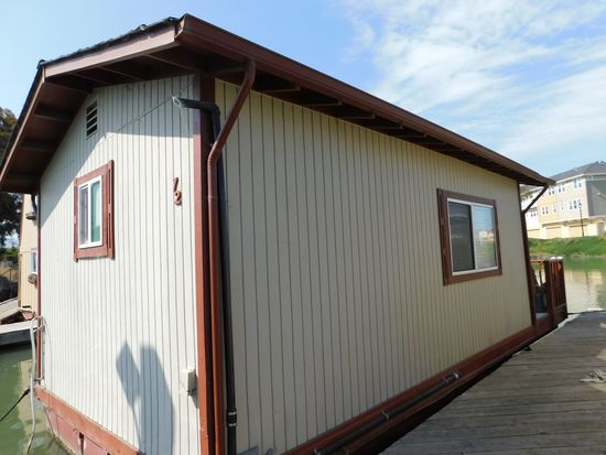 SPECIAL CONSTRUCTION 30' FLOATING HOME**SUBJECT TO SELLER APPROVAL** CONTACT OFFICE FOR DETAILS**