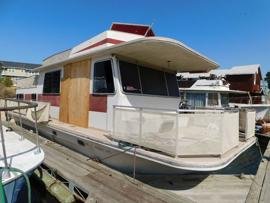 1980 DELTAK 43' HOUSEBOAT**SUBJECT TO SELLER APPROVAL** CONTACT OFFICE FOR DETAILS**