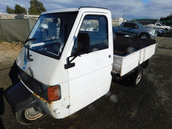 PIAGGIO 3 WHEEL CART (BILL OF SALE ONLY)
