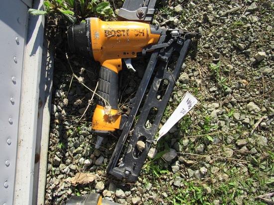 BOSTITCH NAIL GUN