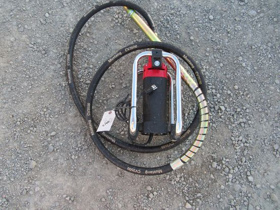 NEW & UNUSED MUSTANG CV3500 CONCRETE VIBRATOR