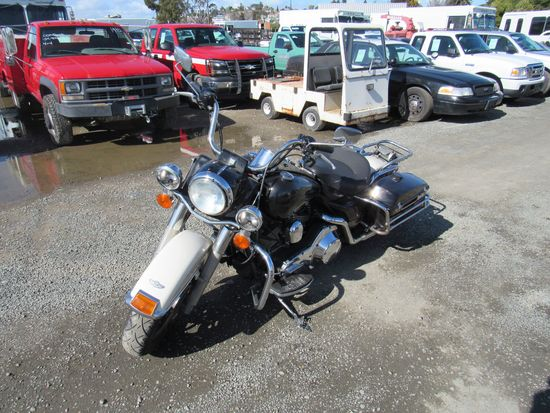 2003 HARLEY DAVIDSON ROAD KING POLICE MOTORCYCLE