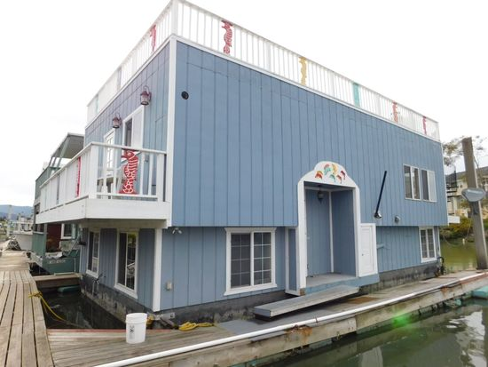 1999 40' X 20' AQUAMANSION 2 STORY FLOATING HOME (NON RUNNER) (SUBJECT TO SELLERS APPROVAL)