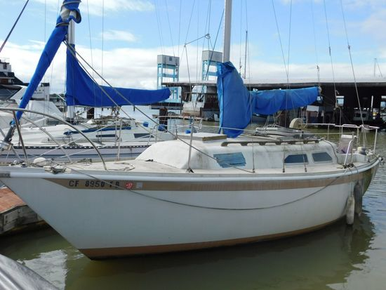 "1972 ERICSON 26' 9"" SAILBOAT (NON RUNNER) (SUBJECT TO SELLERS APPROVAL)"