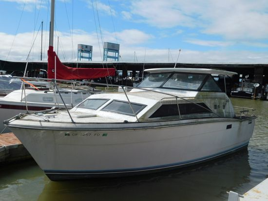 1973 TROJAN 25' POWERBOAT (NON RUNNER) (SUBJECT TO SELLERS APPROVAL)