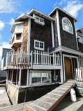 1996 AQUAMANSION 40' X 20' 3 STORY FLOATING HOME (NON RUNNER) (SUBJECT TO SELLERS APPROVAL)