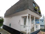 SPECIAL CONSTRUCTION 44' 2 STORY FLOATING HOME (NON RUNNER) (SUBJECT TO SELLERS APPROVAL)