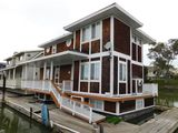 2000 AQUAMANSION 40' X 20' FLOATING HOME (NON RUNNER) (SUBJECT TO SELLERS APPROVAL)